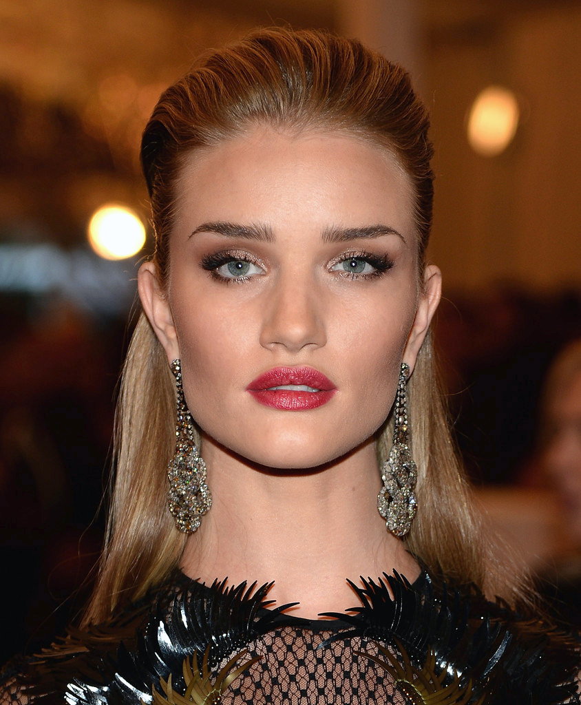 201305_ROSIEHUNTINGTONWHITELEY_METGALA_JC_MB_01.jpg