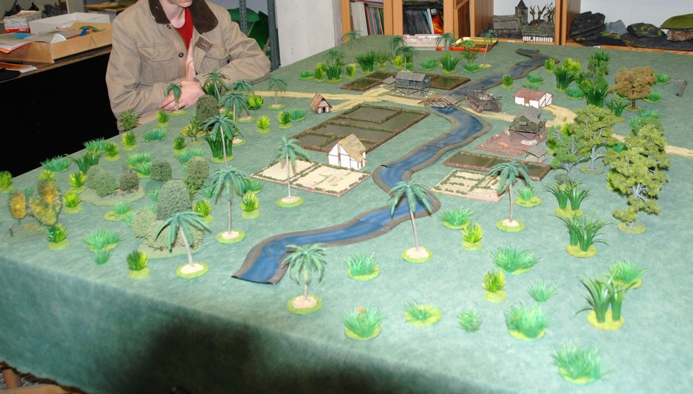 General view of the gaming table (7' x 5')