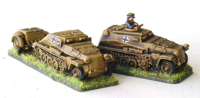 StuG Support Vehicles (1 x Sd253 Observation Vehicle; 1 x Sd252 Ammo Carrier)