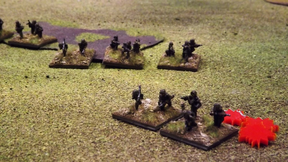 The SS infantry are still coming under heavy small arms fire as they close on the British position, three dead, three shocks - ouch!