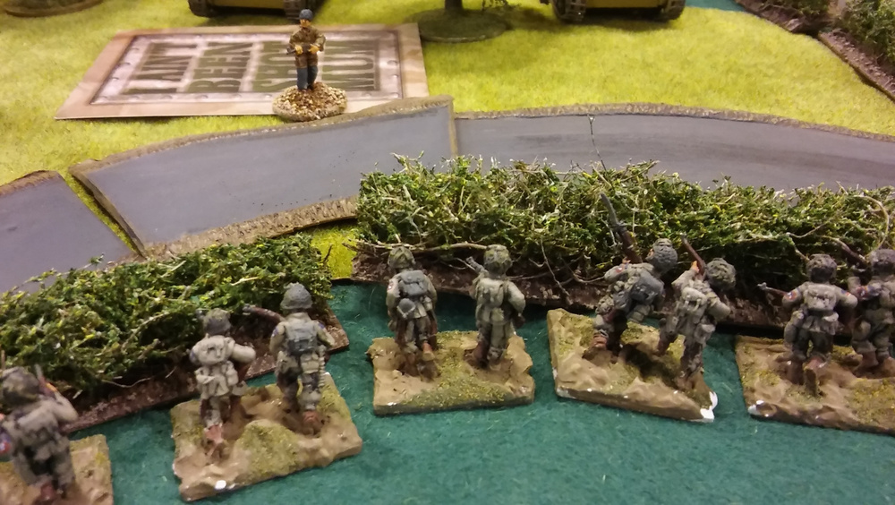 my left flank platoon safely retreat to the hedge and spy the encroaching germans