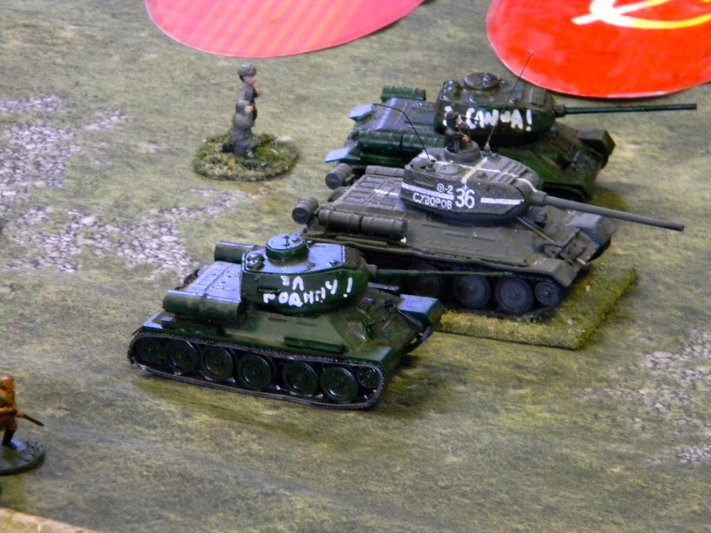 Did I say armour ? Here it comes (T34s having to represent IS-IIs in this case)