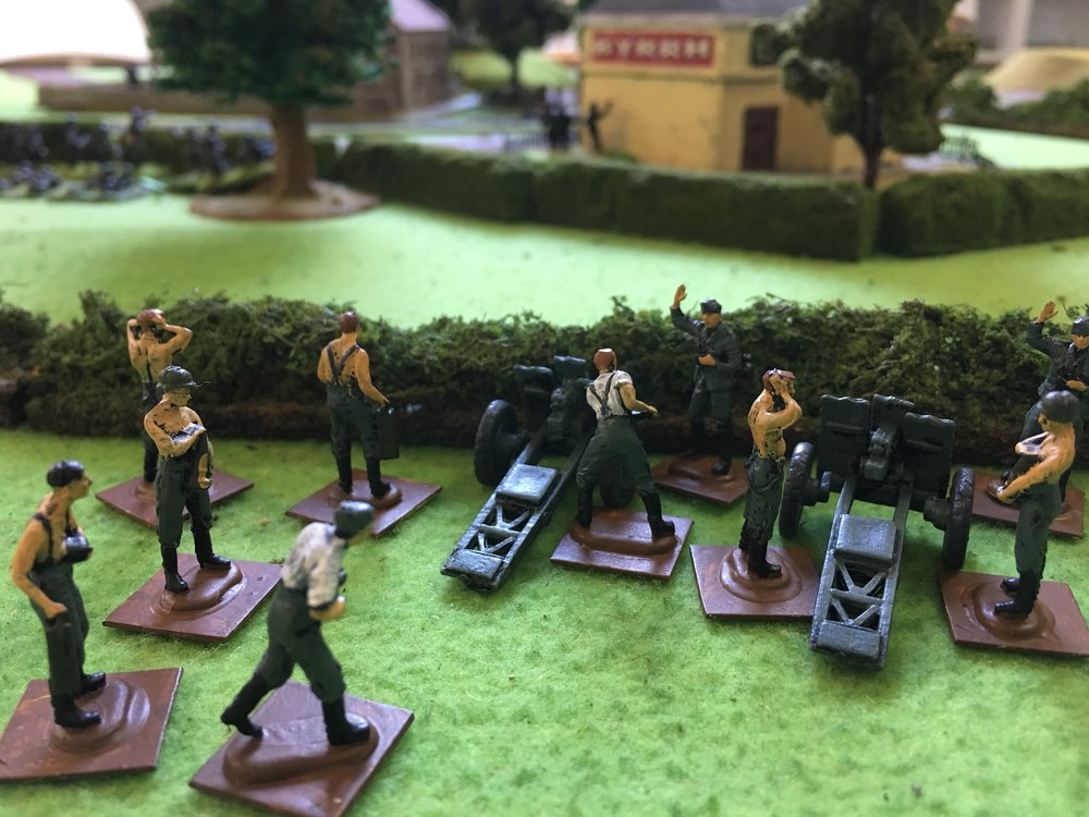These newly-painted infantry guns proved very useful to the German player