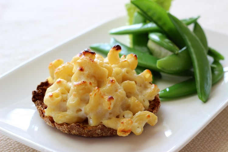 Mac & Cheese Pizzas