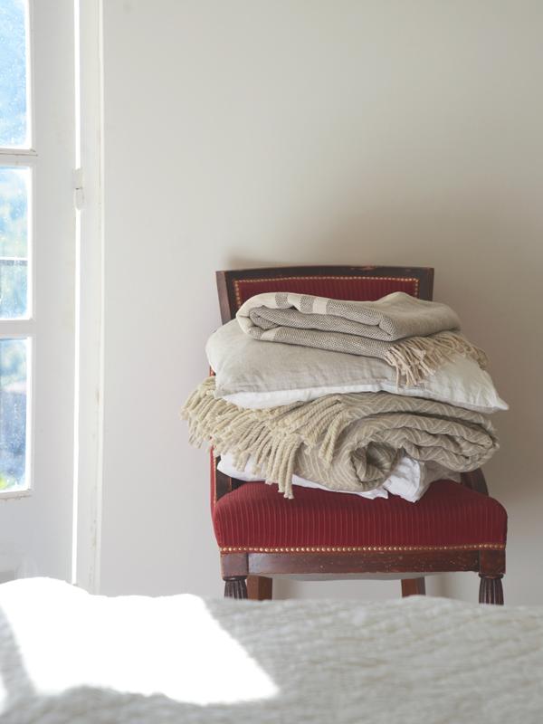 cushions-throws-lr.jpg