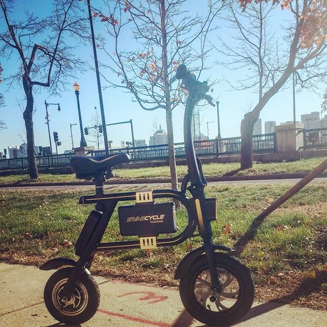 Very bullish on electric vehicles, keep an eye out (or send an email) for @Joftware 's custom software for electric bikes/scooters 🔌⚡🌎♻️🏍️