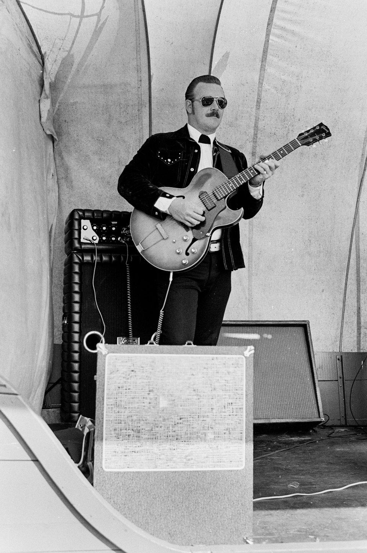 Lead Guitar, Easton CT, 1974