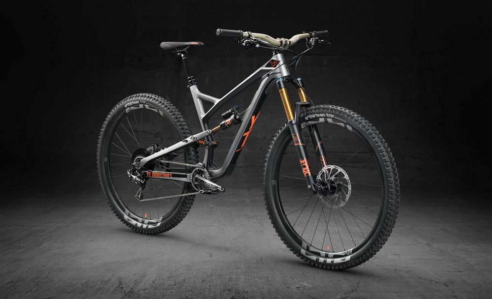 Jeffsy_CF_PRO_RACE_silver_front_b1.jpg