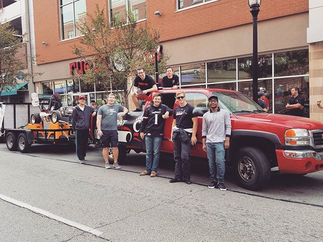 The team representing at UC's 2017 Homecoming parade #bcms #fsae #uc #motorsports #2k17homecoming
