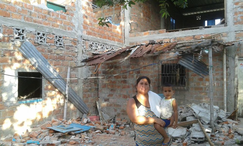 Many families in Portoviejo, Ecuador are without clean water following the earthquake.