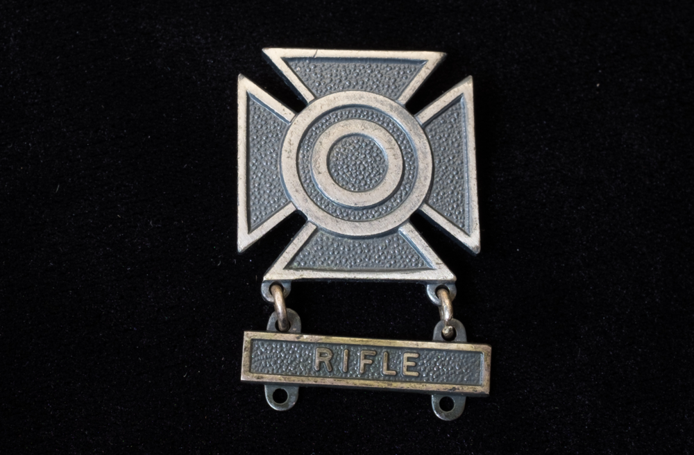 Bucknam's Sharpshooter badge with rifle bar