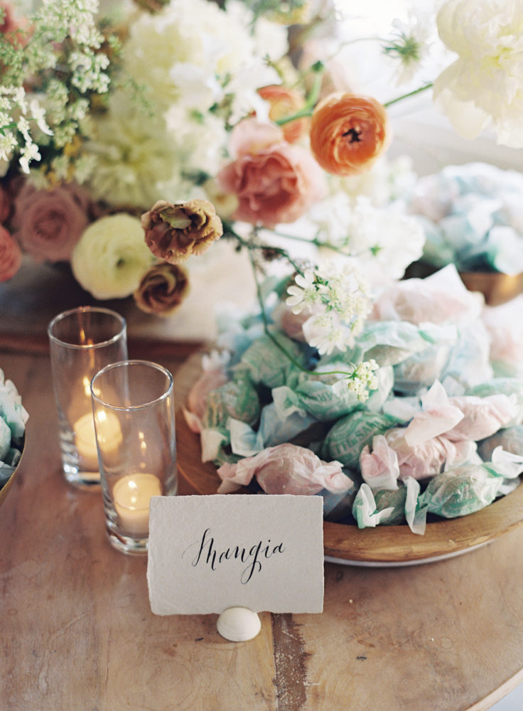 mangia-italian-amaretti-cookies-as-parting-gifts-for-guests-coco-kelley-wedding-736x1000.jpg