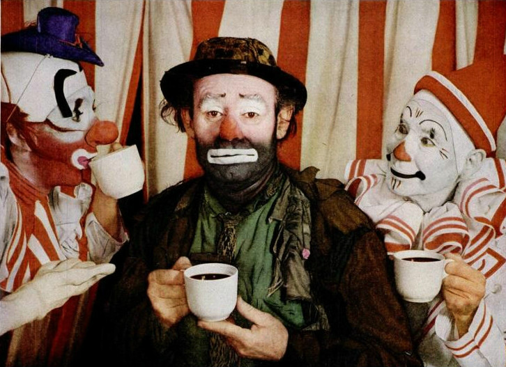 Famous clown Emmett Kelly has been depicted on an egg, despite having been an American.