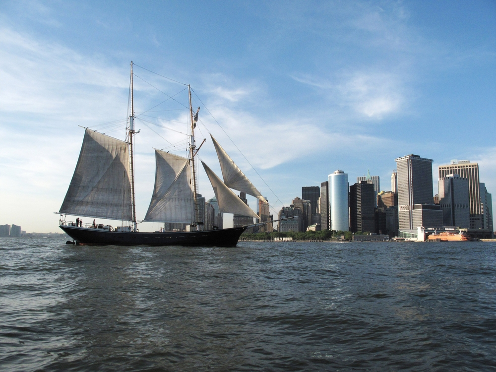Image courtesy of manhattanbysail.com