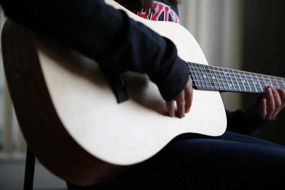温哥华民谣吉他弹唱零基础学员LittleMartin