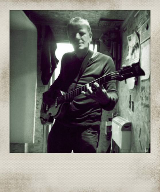 image-guitar_instant.jpg