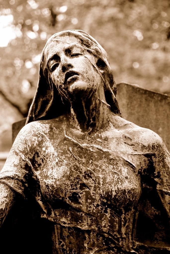 Headstone. Paris, France SEP