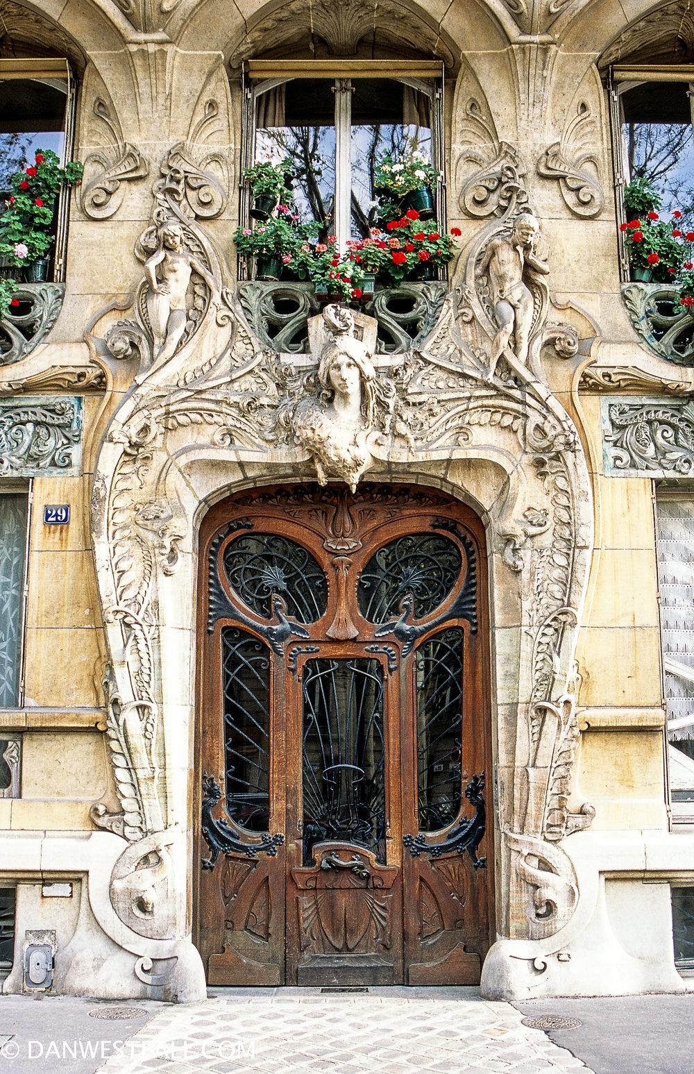 Art Nouveau Door. Paris #0361