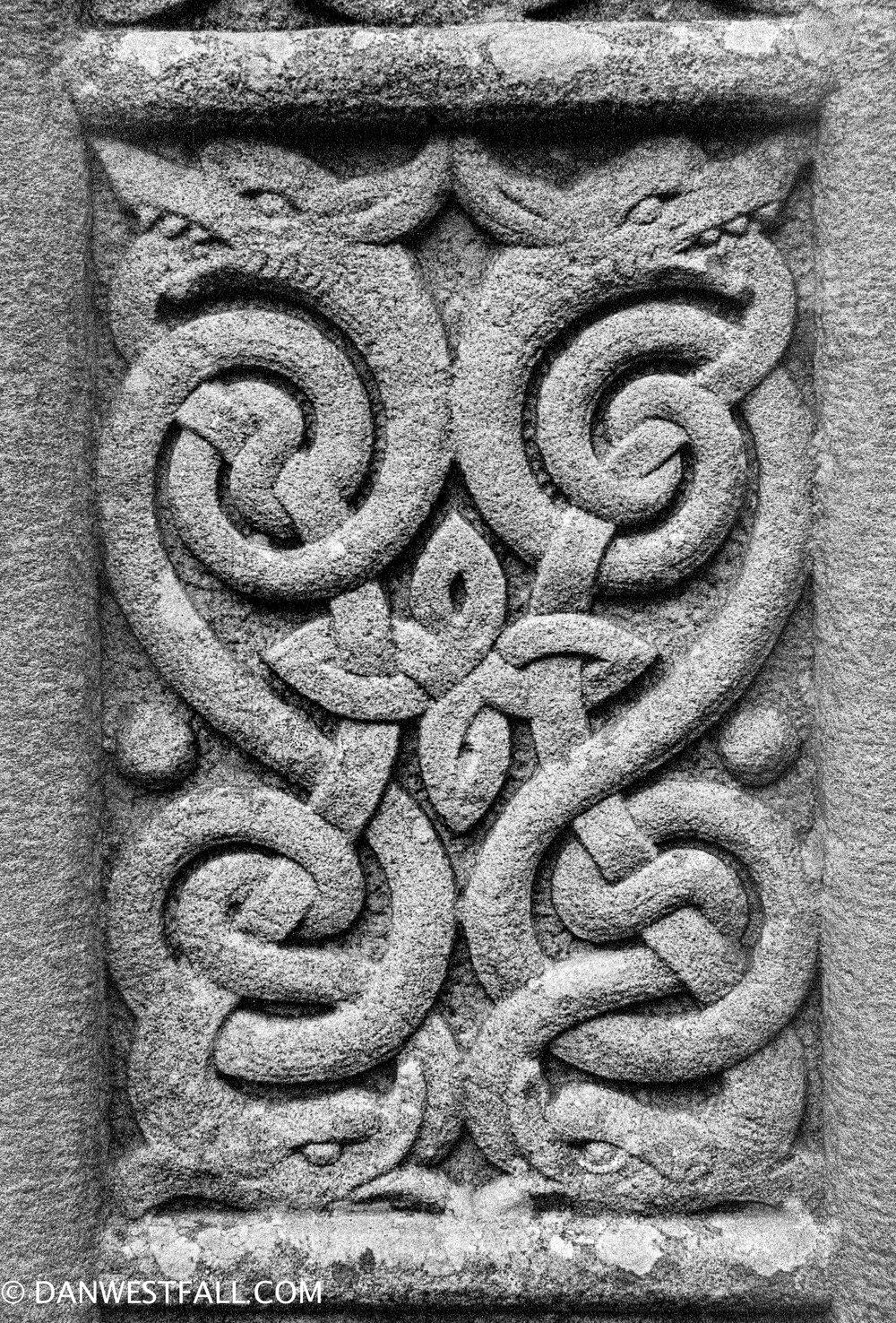 Celtic Knot headstone. Ireland. #0941