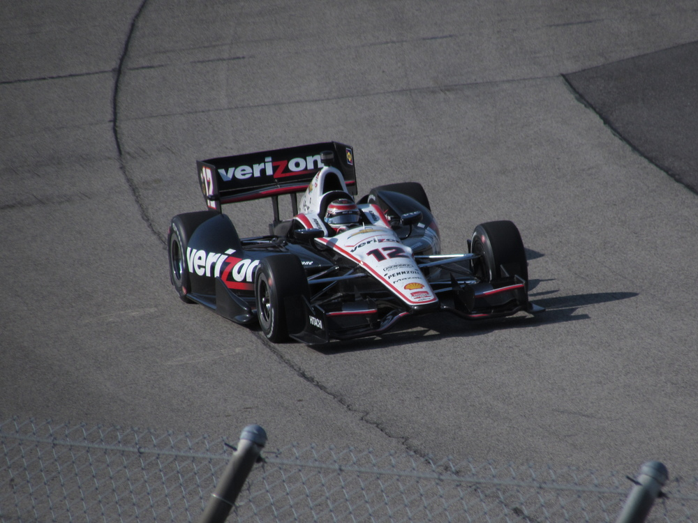 Will Power dives in turn 1 @ Milwaukee. (2014)