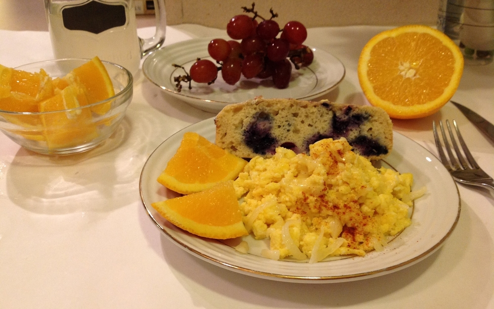 Baked Blueberry Pancakes served with spicy cheesy scrambled egg - see scrambled egg recipe here