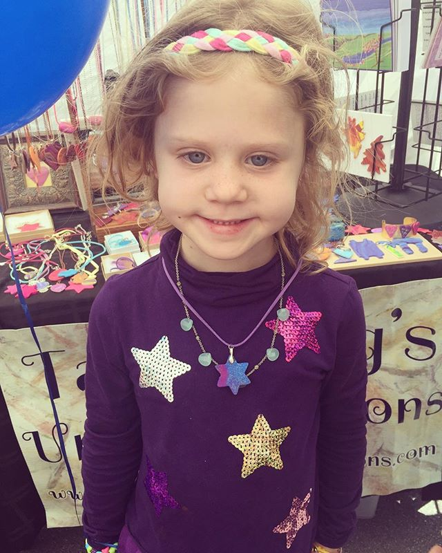 An adorable customer at the Glen Park Art Festival wearing one of my pieces. ♥️