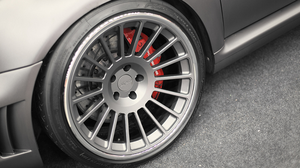 Ilkka Lipponen's RS4 fat fenders were filled with Rotiforms.