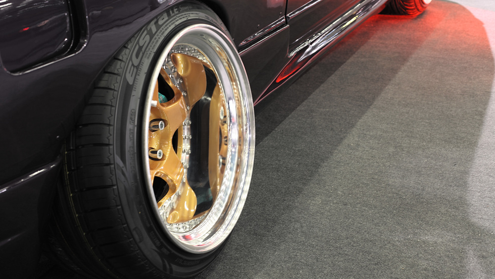 R32 Nissan's rear wheel. Specs anyone?