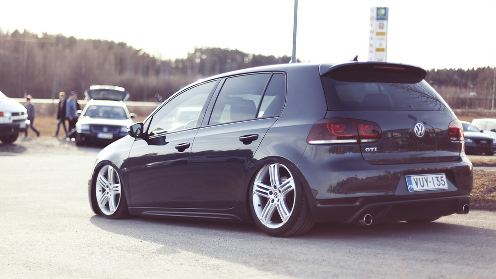 This Mk6 shouts out OEM. Very fresh.