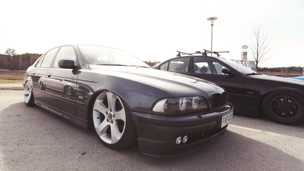 "Naturally, Jani ""Sensei"" Mikkonen rolled to the meet, with another bagged ride. Air suspension is this guy's signature. This 5-series for sale, wink wink."