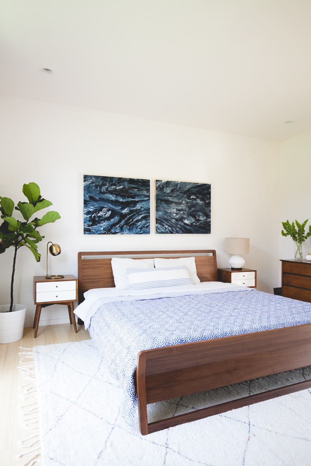 minimal modern pacific northwest bedroom design by the emerald studio, seattle wash