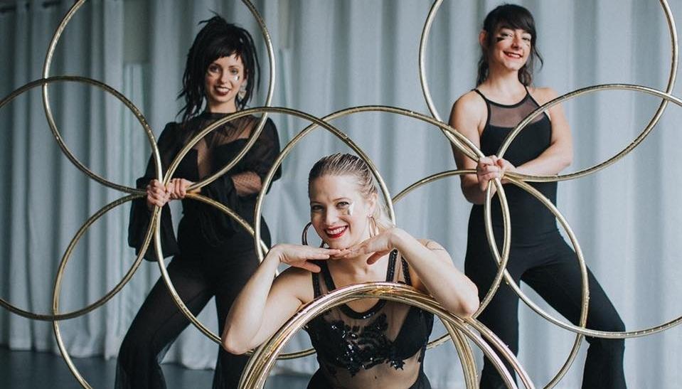 hoop+dance+hula+hoop+performers+multi+hoop+circus+gogo