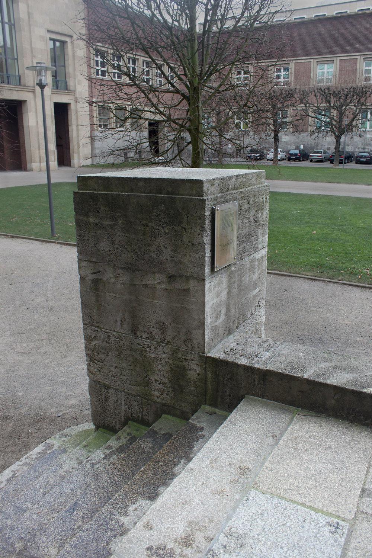 The empty pedestal outsidthe Kuns Palast, Düsseldorf , Germany, February 2012. hoto by Nomi Mishkin