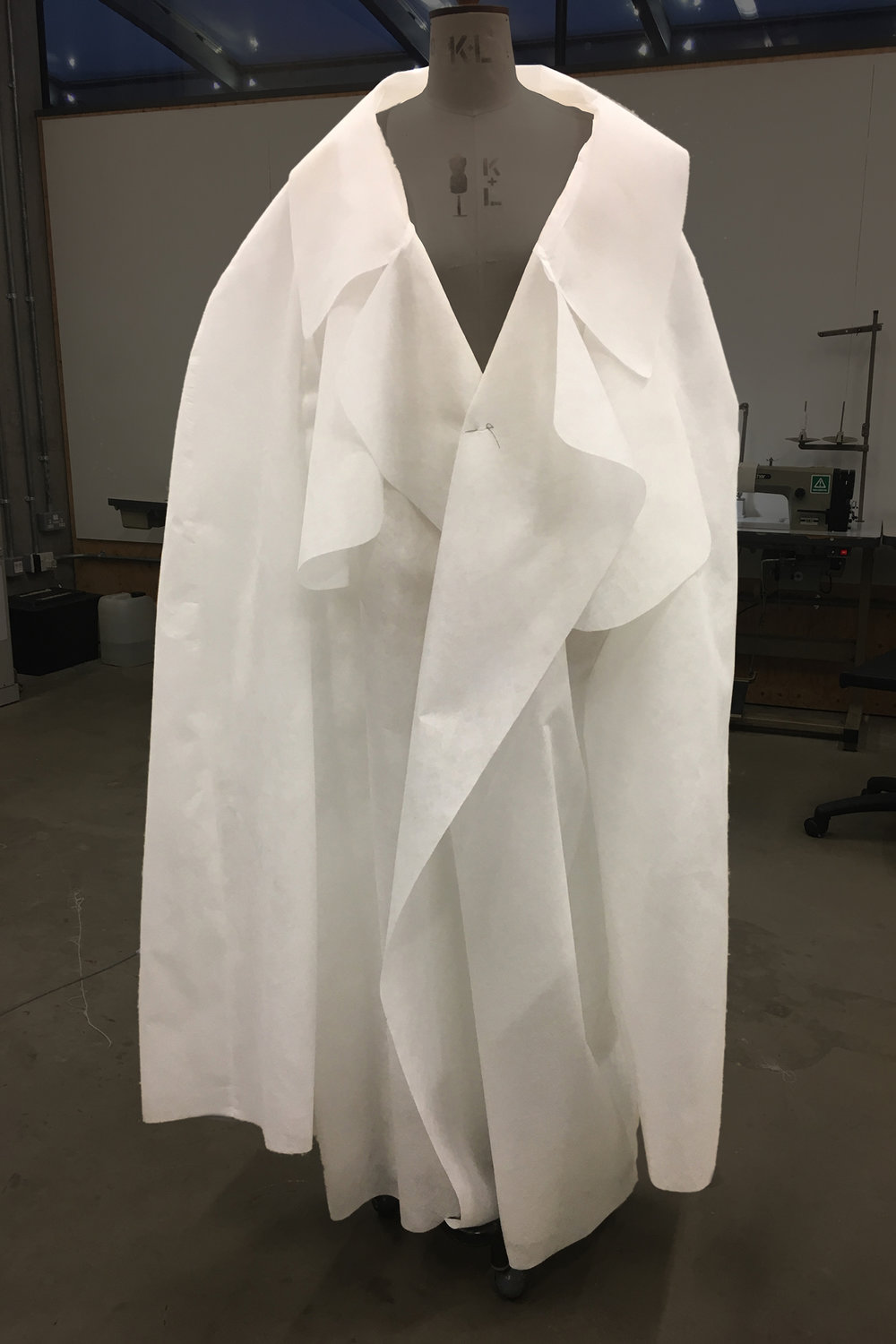 PROCESS: setting the shape of the trench