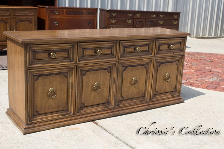 This was our week for credenzas! This piece is made by Henredon (high end!) and is priced at $250.  More buffets here