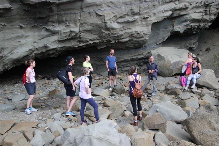 Walk to beach cave