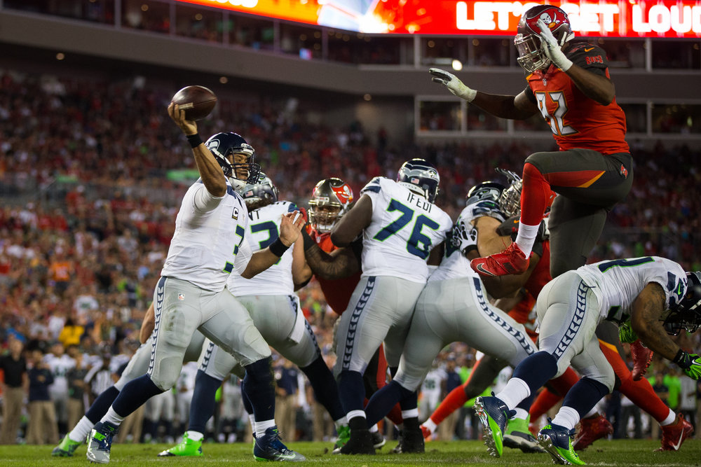 Tampa Bay Buccaneers defensive end William Gholston (92) gets up in an effort to block a Seattle Seahawks quarterback Russell Wilson (3) pass during the second half of a football game at Raymond James Stadium in Tampa, Fla., on Sunday, Nov. 27, 2016.