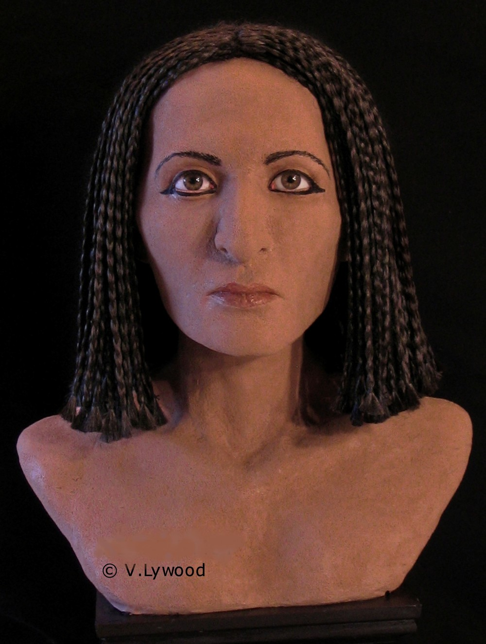 Photo of bust of Nefer-Mut Copyright Victoria Lywood.