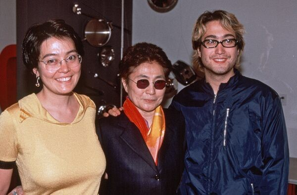 (Yoko Ono with her children Sean Lennon [right] and Kyoko Chan Cox [left]