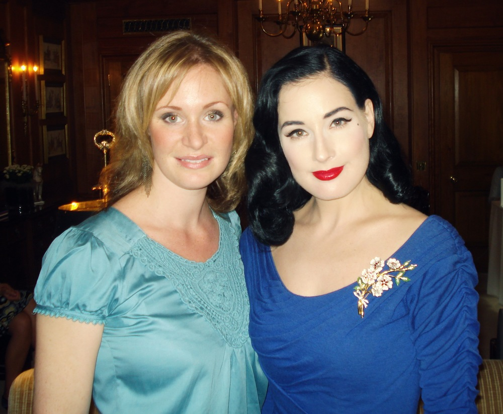 Ros and Dita von Teese 2.jpg