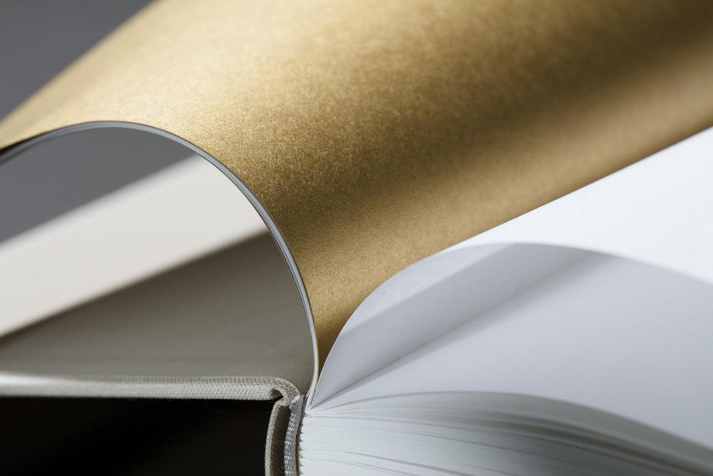 worthless_book2219 Kopie.jpg