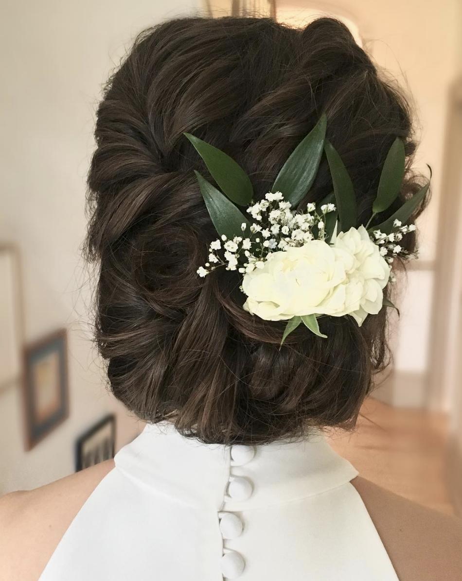 Professional wedding make up artist and hair stylist covering Hertfordshire, St Albans, Harpenden, Hitchin, Welwyn Garden city, Hatfield, Cheshunt, Hemel Hempstead, Ware, Potter Bar and Sawbridgeworth.