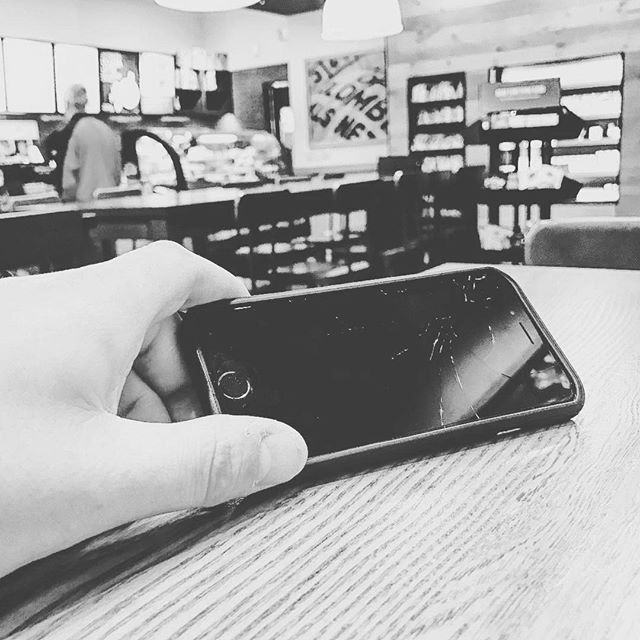 #Derby week is no time to have a crack in your iPhone screen. If you're in business or sales, it sends the wrong message to your clients. We can replace it and put a smile back on your face. Call or iMessage me at 502-415-6347! ProntoiPhone.com 502-415-6347 #Louisville #IPhone #iPad #Repair #Concierge #SaveTime #SaveMoney