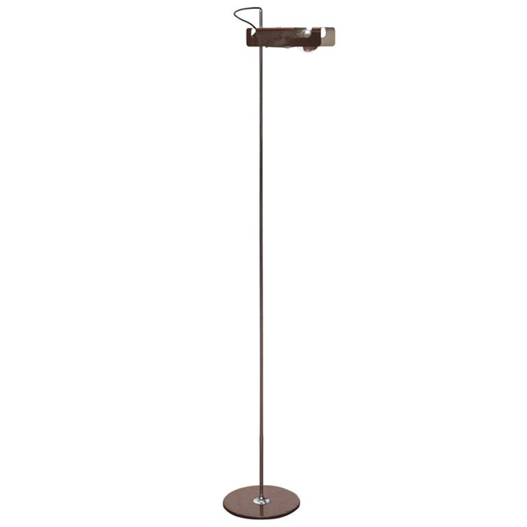 Spider Floor Lamp  Golvlampa av Joe Colombo.   Lagerstatus: Ej i lager.