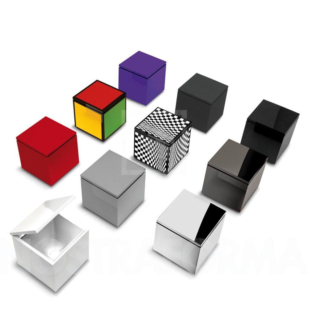Cuboluce  Lampa i låda. 10x10x11 cm   Lagerstatus: I lager.