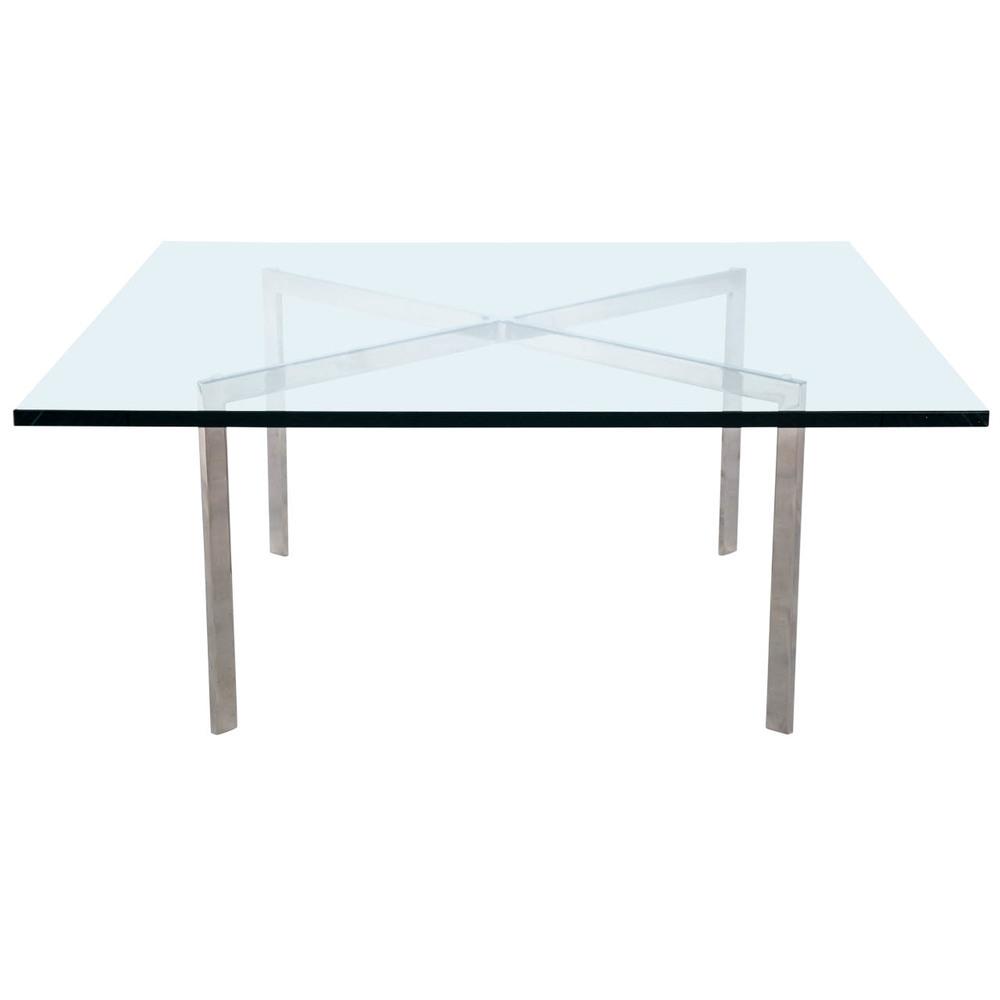 Glasbord   Mies van der Rohe   Glas, krom. 90x90 cm, H46 cm     Lagerstatus: I lager.