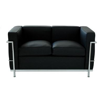 2-sits soffa i läder   LC2  Svart läder med kromat underrede. B120, H67   Lagerstatus: I lager.