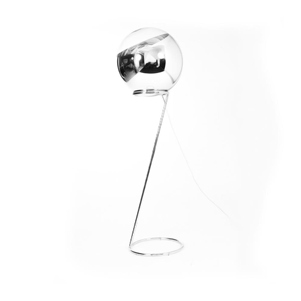 Mirror Ball  Golvlampa av Tom Dixon.  Lampa D 50 cm, H: 137 cm   Lagerstatus: I lager.