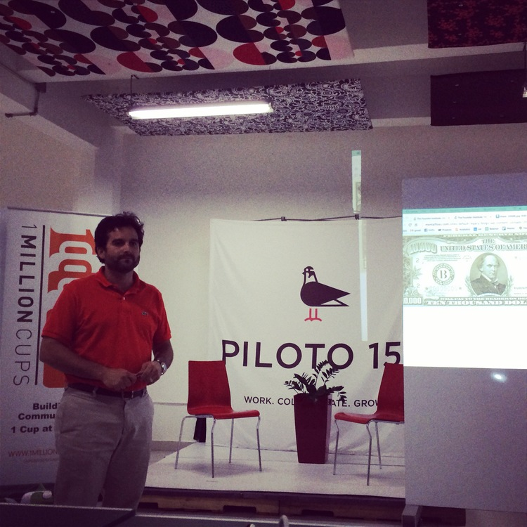 Startup pitches at Piloto 151