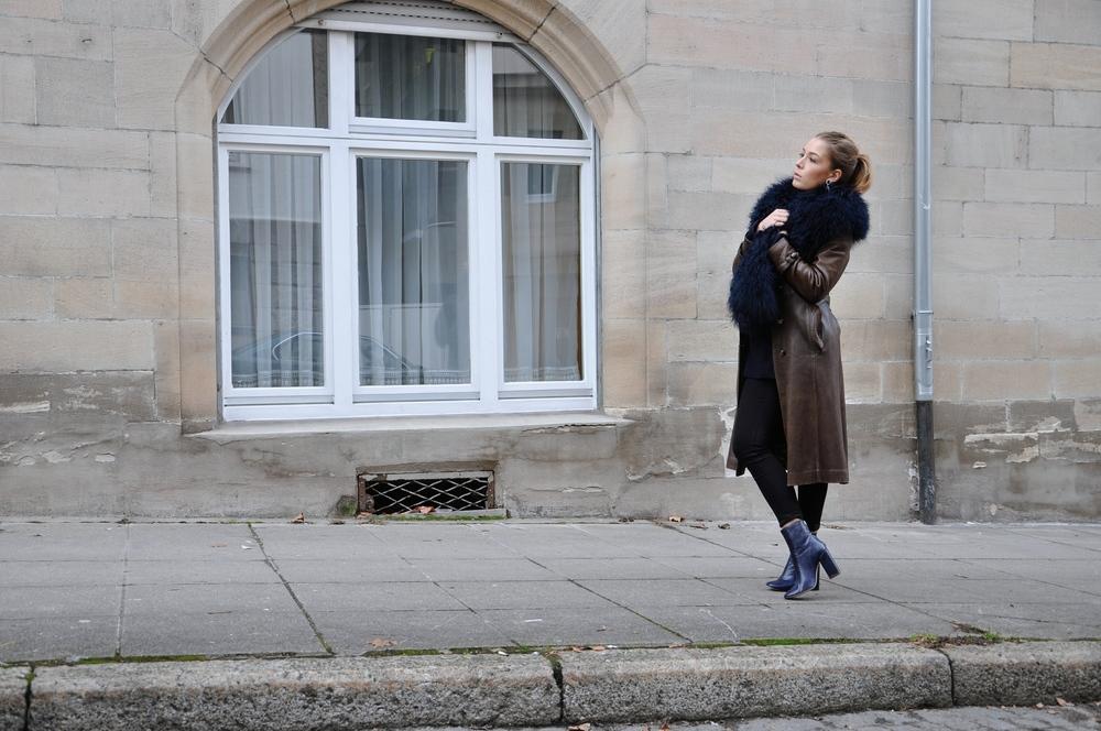 coat Vintage pull René Lezard jeans H&M earrings Vintage stola Patrizia Pepe bootsZara